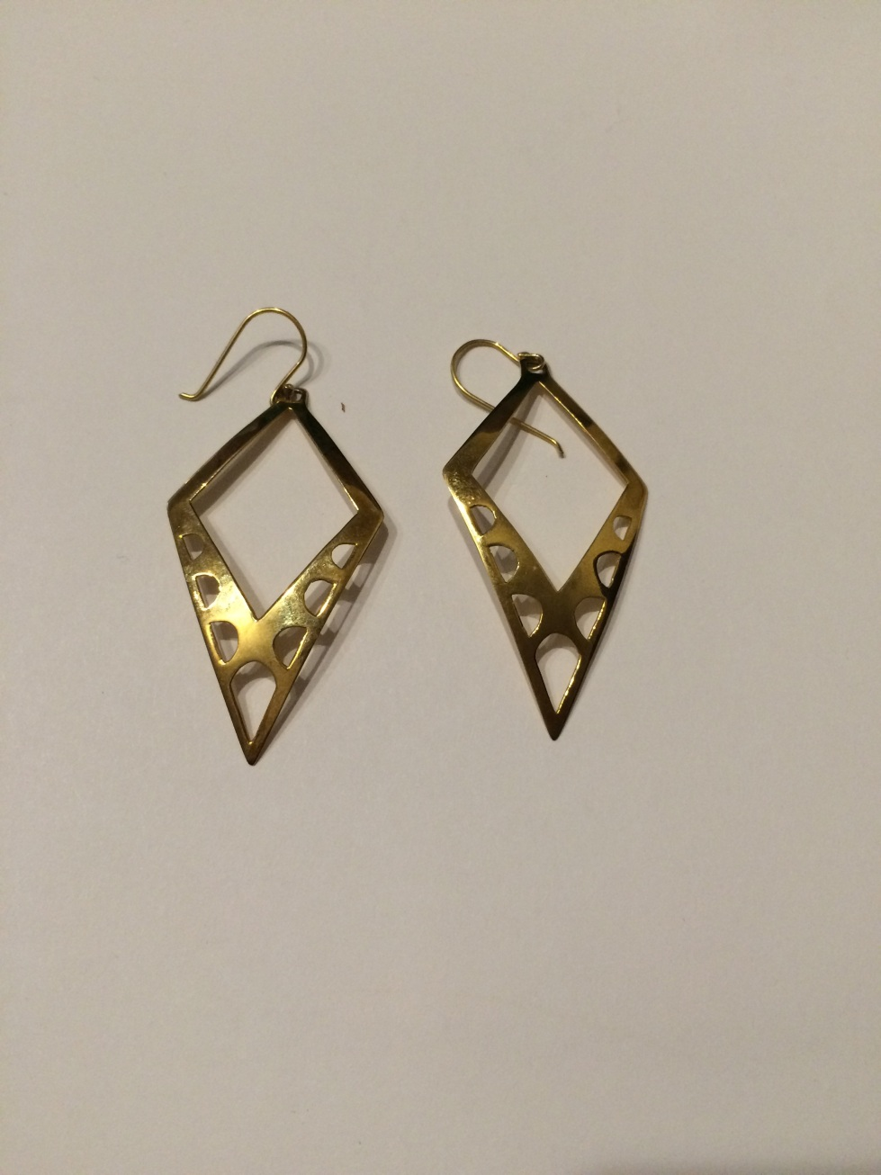 arched arrow earrings
